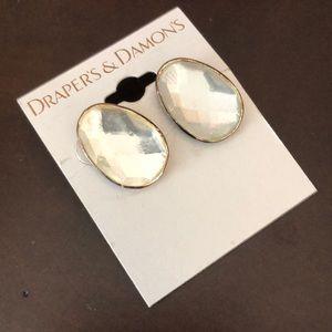 Drapers & Damon's Earrings New!